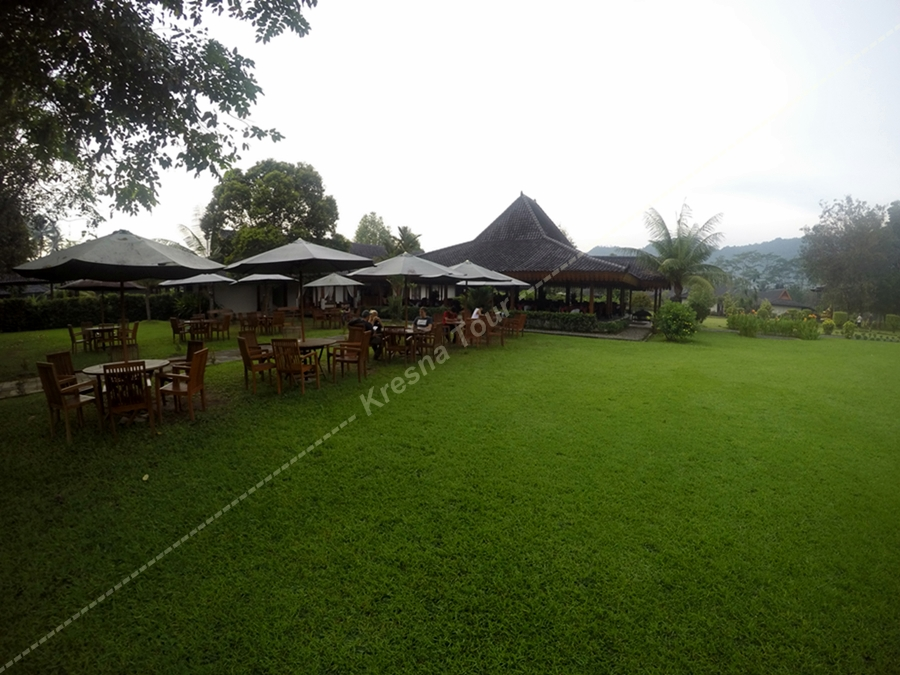 Borobudur Sunrise - Breakfast area - Manohara Garden Resto